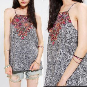 Anthropologie Staring At Stars Embroidered Tank